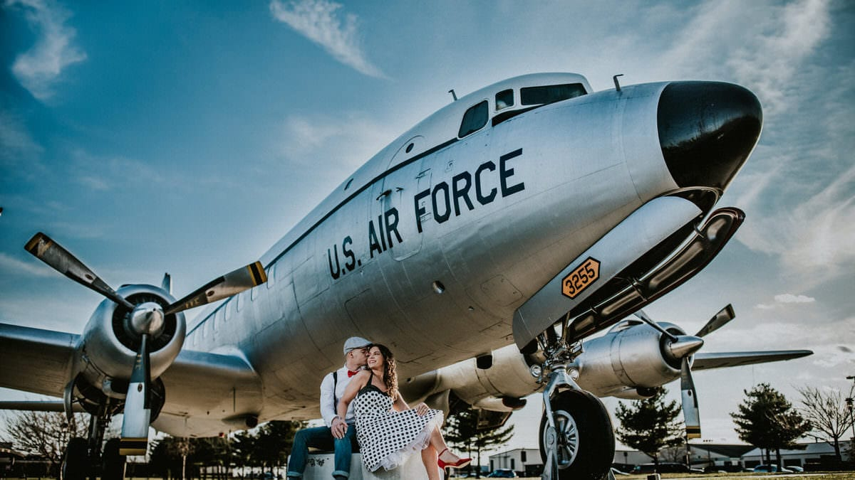 pin up engagement session