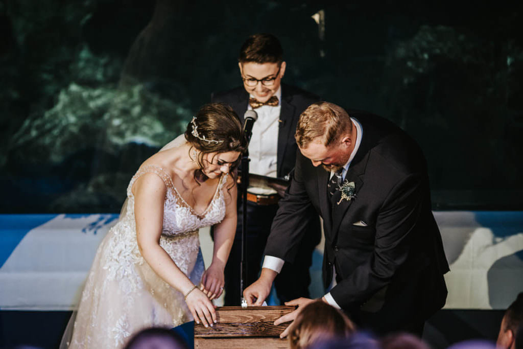 Camden adventure aquarium, Camden Adventure Aquarium Wedding | Becca and Brandon